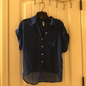 Casual blue short sleeve button up